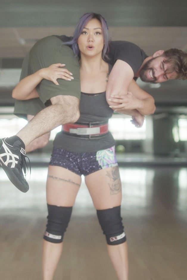 cynthia leu squatting her boyfriend luke