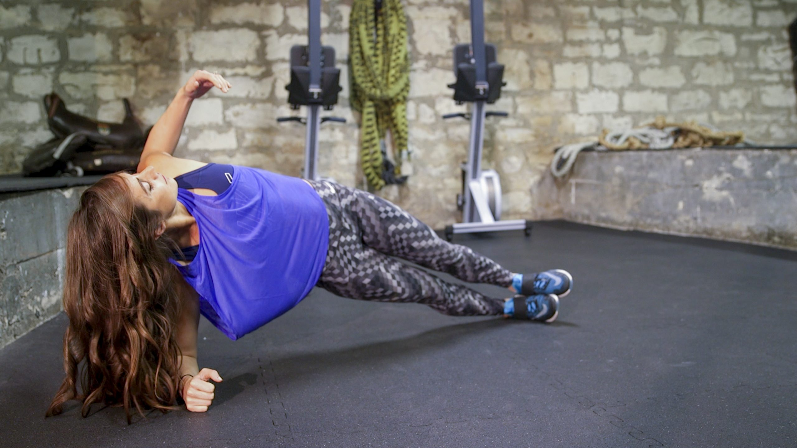 Nikki Metzger Core Workout Feature Image